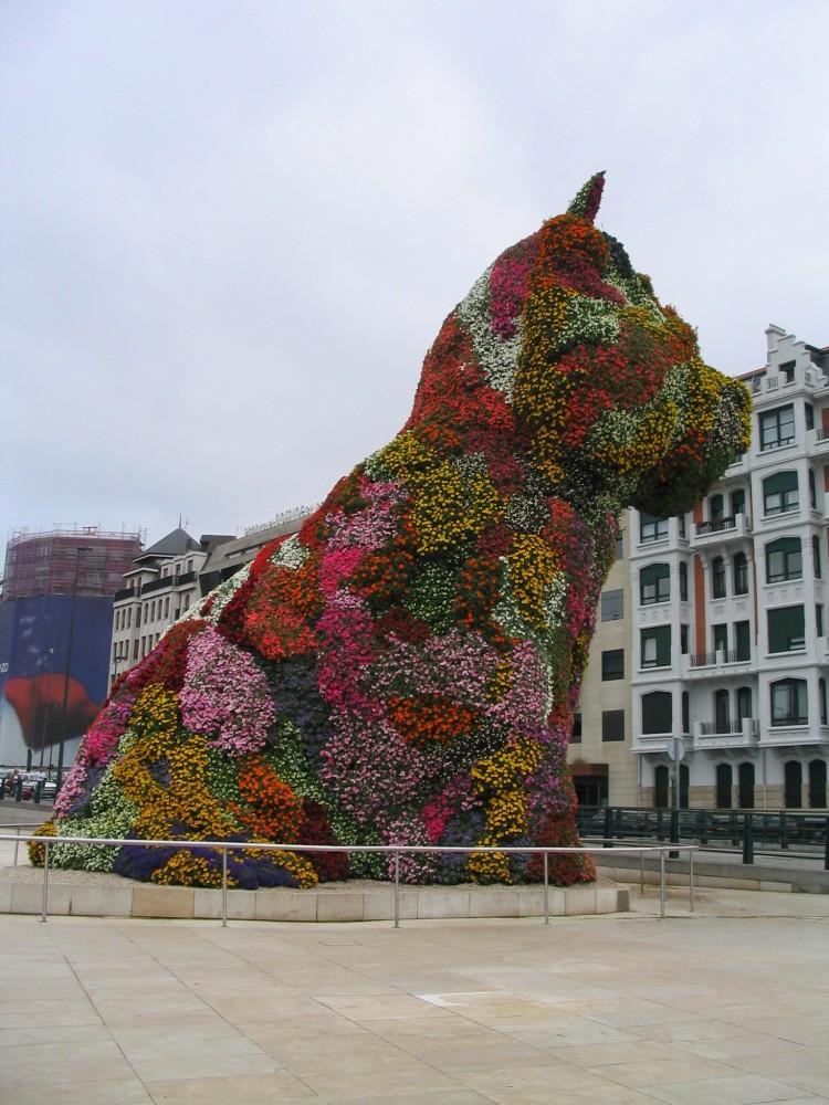 Jeff Koon's 'Giant Puppy' in Bilbao