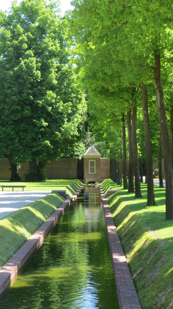 Canal separating Lower and Upper Gardens