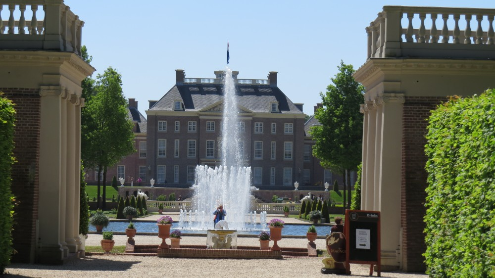 The King's Fountain and Upper Parterre