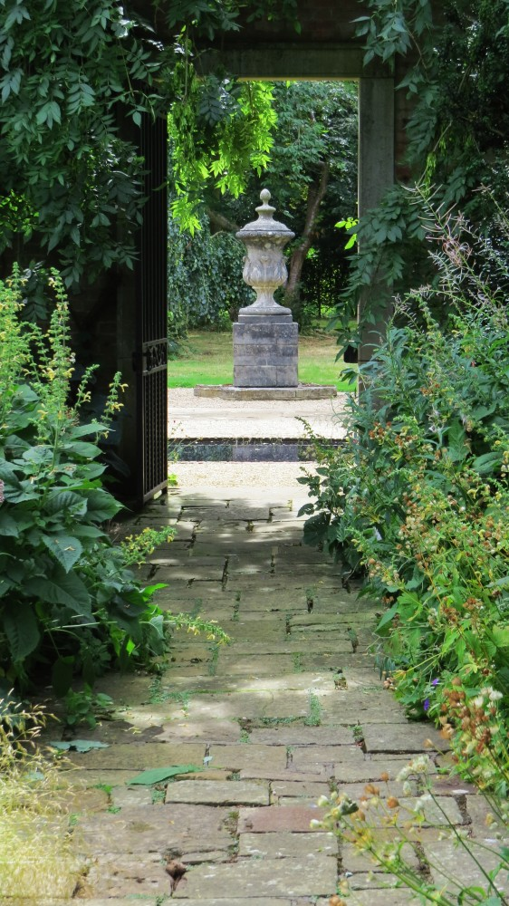 The Terrace Border