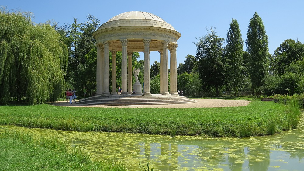 The Jardin Anglais – The Temple of Love