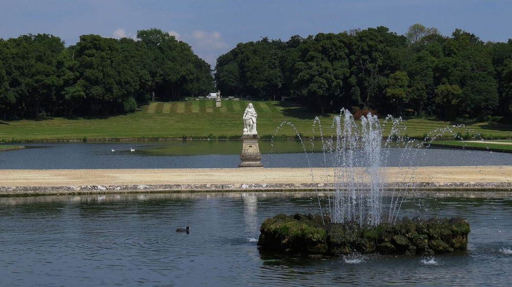 Overview of the Water Parterre