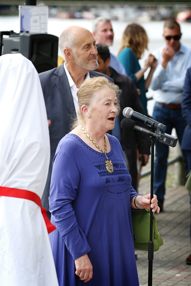 Rosemary Pettit, Mayoress of Hammersmith and Fulham, at the Unveiling