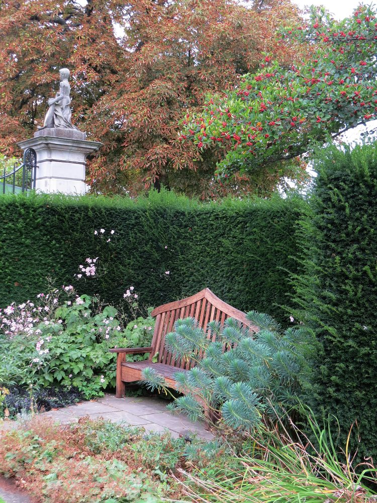 The Scalloped Hedges to the Long Lawn